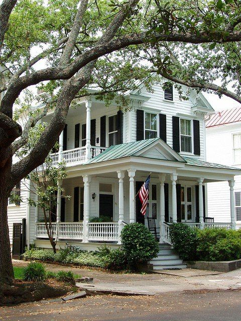 White charleston house w black shutters green tin roof for Charleston style house plans side porch