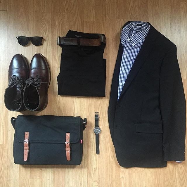 #SuitGrid by yours truly @inisikpe ________________________________________ Follow @inisikpe for daily style/advice #SuitGrid to be featured IniIkpe.com for fashion updates and more ________________________________________ Tap For Brands Messenger Bag: @toffeecases Blazer/Shirt: @jcrew @jcrewmens Denim: @sebastianmccalljeans Belt: @nautica Shoes: @thursdayboots Brown Captain Boot Watch: @timex Glasses: @rayban Wayfarer
