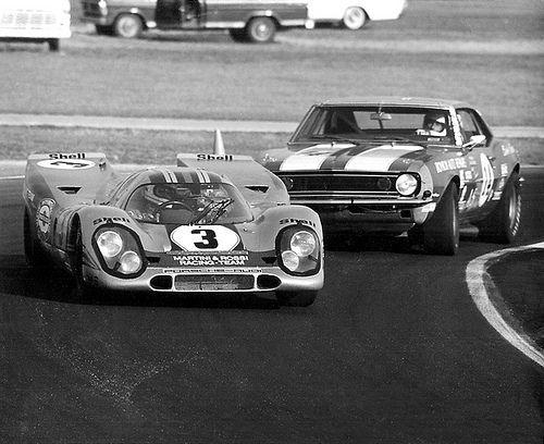 Racing at the 1971 Daytona 24 Hours endurance race.
