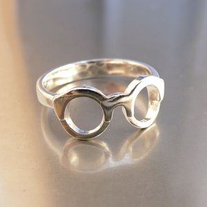 Harry Potter eyeglasses ring. That's pretty adorable.