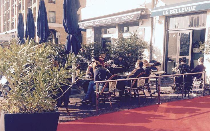 Le #comptoir du #restaurant de l' #hotel Bellevue sur le vieux Port de #Marseille