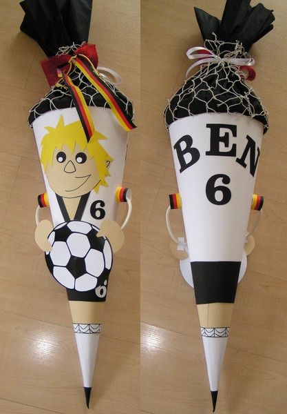 Schultüten - Fußballer oder Torwart Schultüte / Zuckertüte - ein Designerstück von Bastelkoenigin-de bei DaWanda