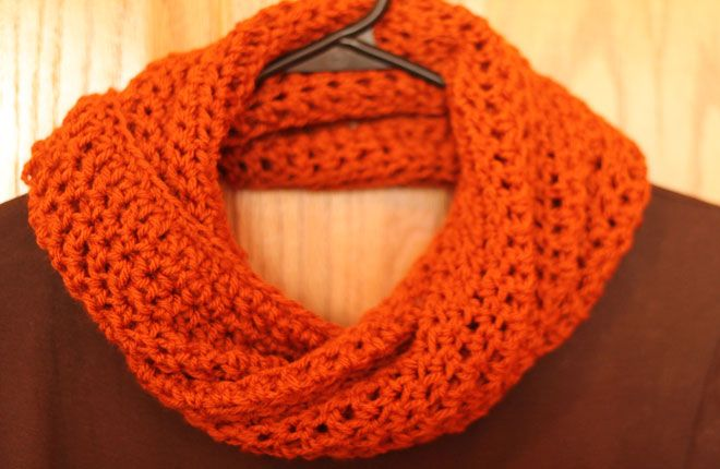 How to Crochet a Cowl Scarf