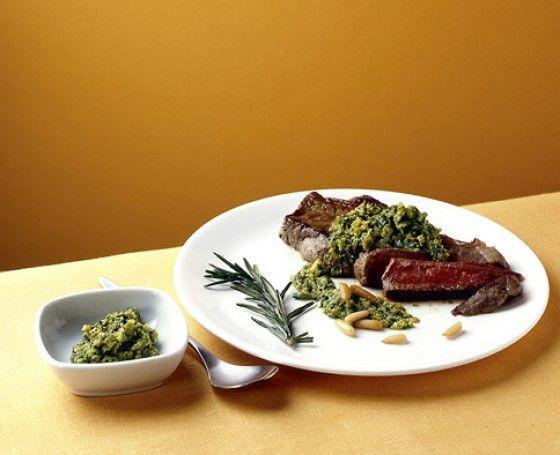 Rib-Eye-Steak mit Salsa verde - Argentinische Küche: Argentinisch-inspirierte Rezepte - 1 - [ESSEN & TRINKEN]