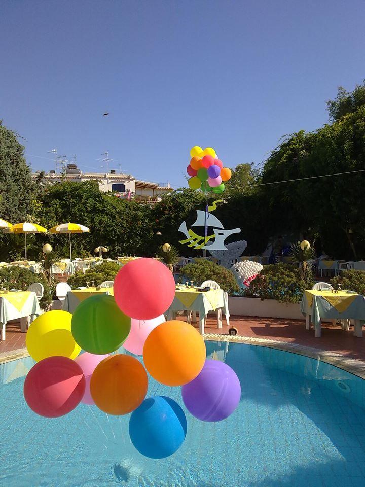 Ricordi di Ferragosto  Cena sulla Piscina del nostro Hotel!