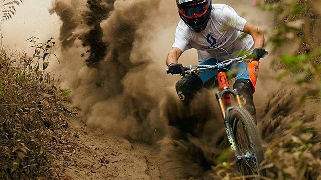 . Bike : Scott Voltage FR -Fox 36 Fork -Fox x2 Float Rear Shock.