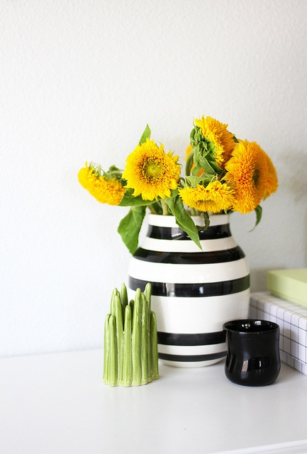 sunny by AMM blog: Blog Milk, Pop Of Colors, Amm Blog, Fancy Flowers, Flowers Today, Fresh Flowers, Merry Mishap, Sunny Flowers