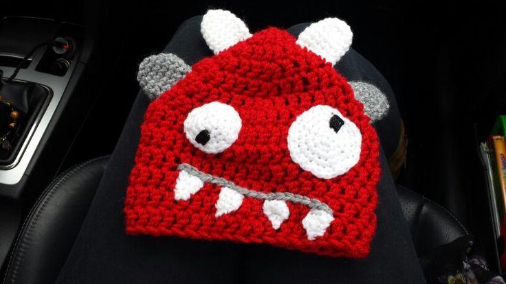 Gorro crochet monstruito