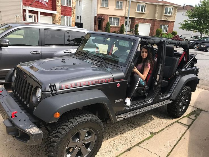 13372 best jeep girl look prettier wheelin them images. Black Bedroom Furniture Sets. Home Design Ideas