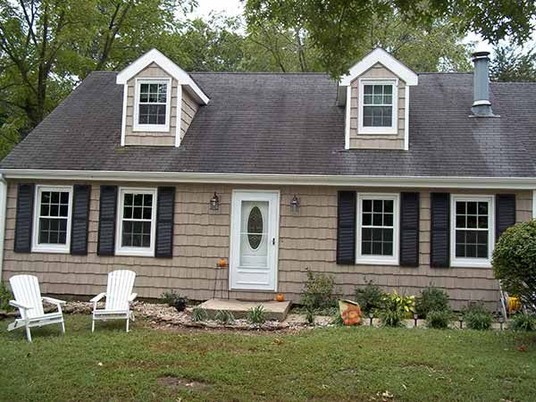 Vinyl shake siding google search exterior pinterest for Vinyl siding ideas for ranch style