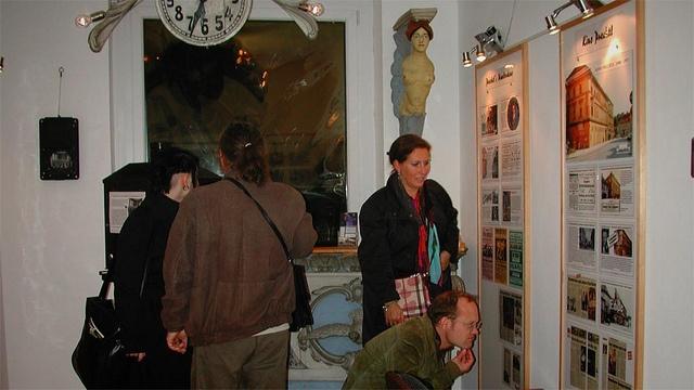 """#Besucherschlange """"Lange Nacht im Kinomuseum Klagenfurt"""" - http://www.kinogeschichte.at/kinomuseum.htm #museum"""