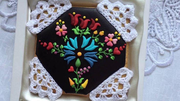 "Mézes Terítő - fekete | Gingerbread Cookie with Crochet - Gingerbread ""C..."