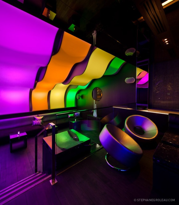 Thomas creative exhibition design Build this look with over 280 colours of stretch ceiling! http://www.laqfoil.com/