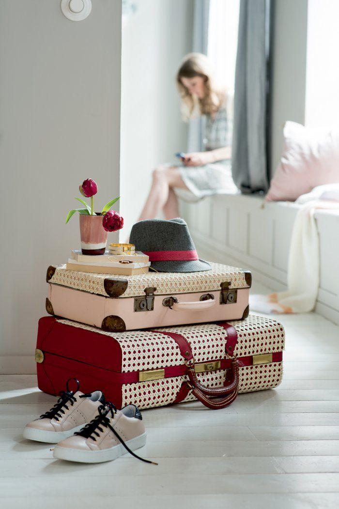 DIY déco - Des valises vintage recouvertes d'un joli cannage - Marie Claire Idées