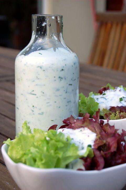Kapros-joghurtos salátaöntet