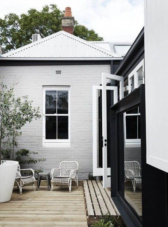 Pretty Patio Style | Avenue Lifestyle | Photography: Sharyn Cairns for Whiting Architects www.doriedwards.n...