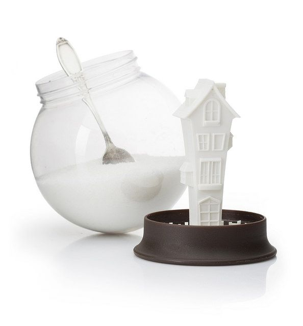 Are you ready for Christmas and snow? Let it snow with this Sugar House from Peleg Design