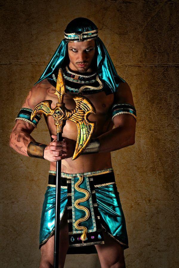 Harts ~ Section: Ramesses II & Nefertari   Ramses costume ...