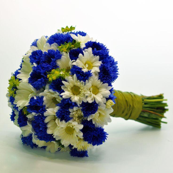Картинки по запросу букет белые хризантемы васильки