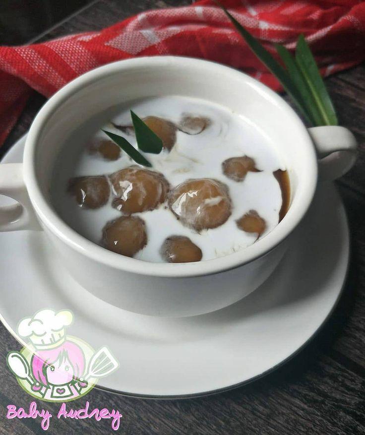 Doyan Baking Membagikan Postingan Di Instagram Bubur Candil Pisang By Christyantyalfantri Bahan Bahan Bahan A 500 Gram Pisang 20 In 2020 Food Desserts Pudding