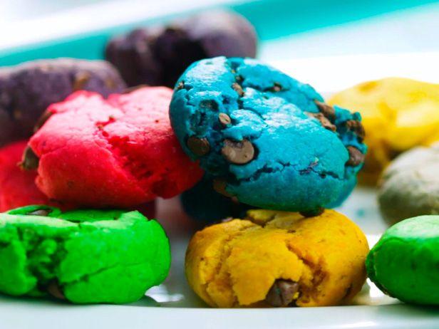 Galletas Arcoiris con Chispas de Chocolate - Recetas   Food Network