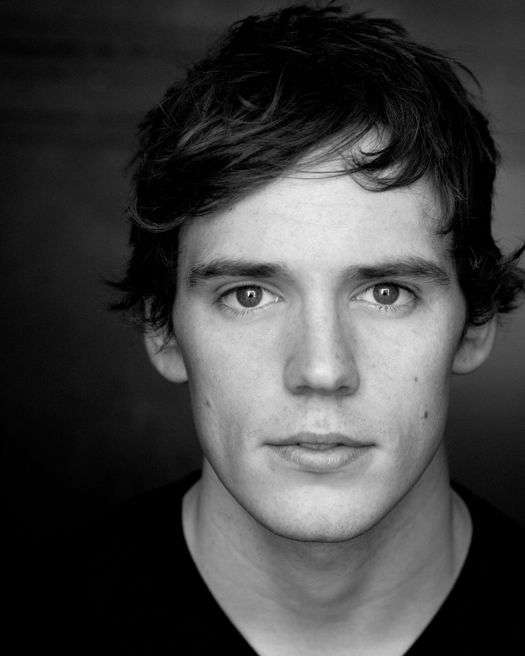 up and coming hottie Sam Claflin (Snow White and the Huntsman, Pirates