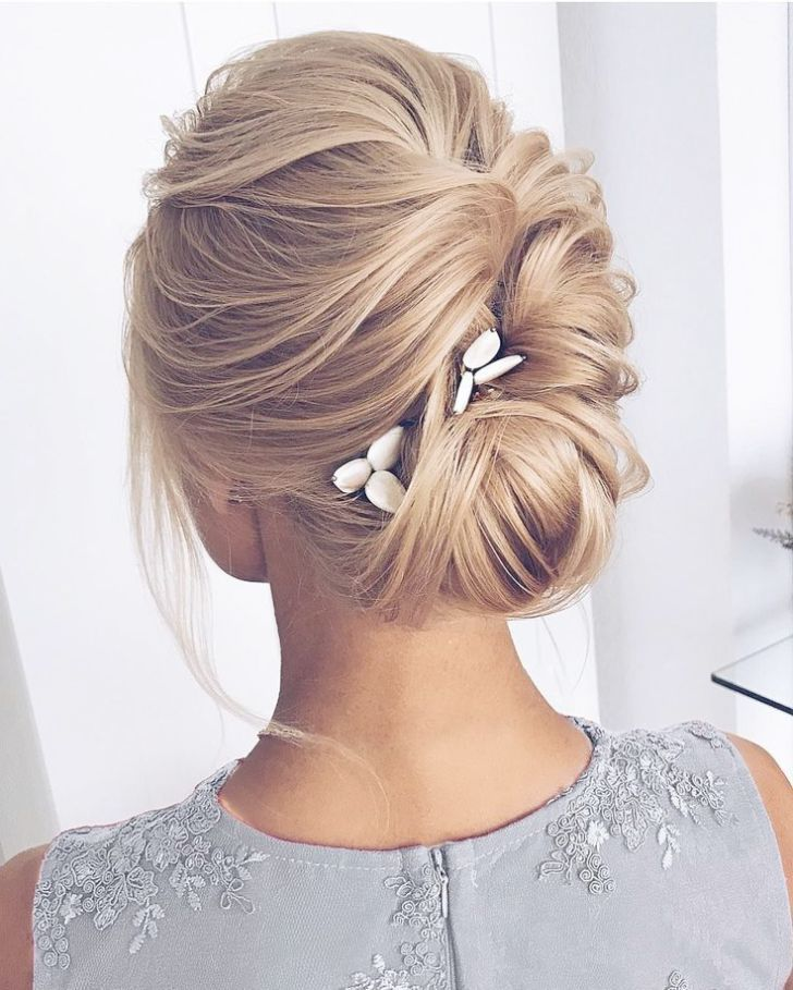 Wedding Crashers Never Leave Me On Wedding Updos For Short Hair Pinterest Or Wedding Crashers Isla Fisher With Hair Styles Medium Hair Styles Long Hair Styles