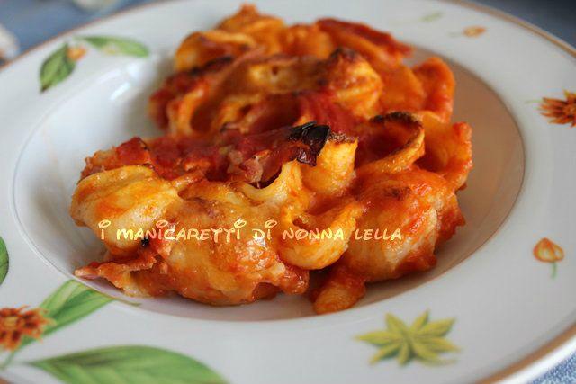 ORECCHIETTE AL FORNO I manicaretti di nonna Lella http://blog.giallozafferano.it/graziagiannuzzi/orecchiette-al-forno-2/