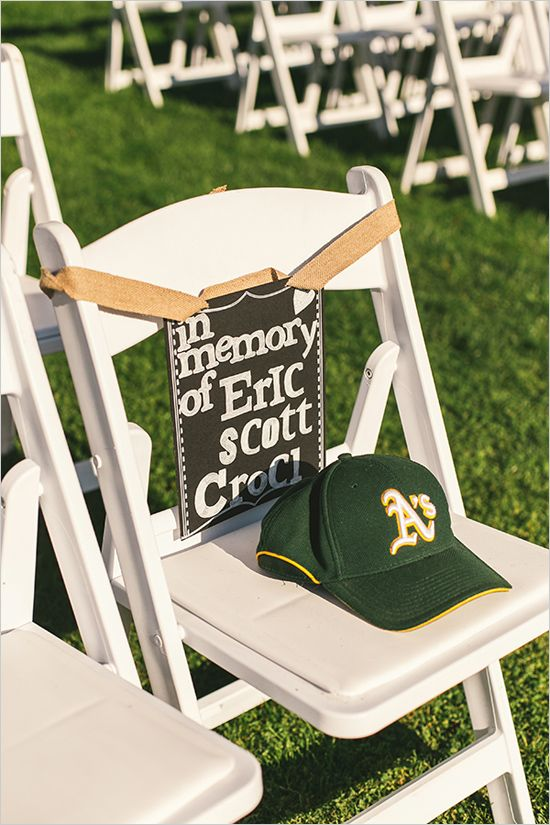 in memory of | ways to remember | wedding ceremony ideas | #weddingchicks