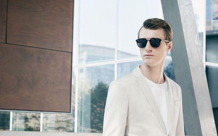 Деловой стиль и солнцезащитные очки.  #очки, #очкисолнечные, #солнечныеочки, #мода, #мода2017, #модныеочки, #fashion, #fashion2017