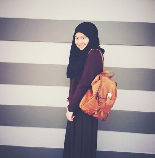I 39 M In Love With The Bag Give Me Now Hijab Fashion
