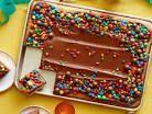Birthday Leaf Cake – Naschkatzen Desserts – #black #birthday #cakes #s …   – Blechkuchen
