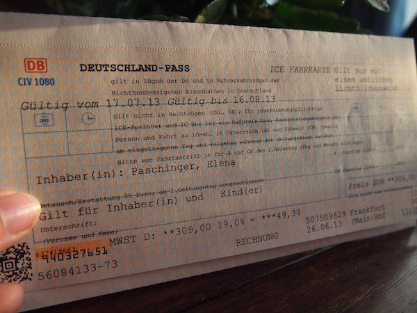 """Es ist laut, es ist spät, es ist ein Abend voller neuer Gesichter im Bauch des populären Youth Hostels Wombats am Wiener Naschmarkt. Meine Kollegin Lea Hajner von Tripwolf hat zum zweiten internationalen """"Travel Massive"""" in der Stadt Wien aufgerufen ... http://www.creativelena.com/projektwerkstatt/meine-welterbe-reise-durch-deutschland-geschichten-voller-leben"""