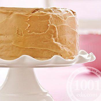 Простой торт из готовых бисквитных коржей со сгущенкой