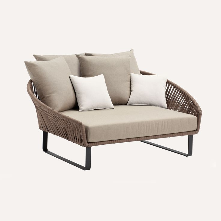 Kettal bitta daybed products pinterest sillas for Sofa exterior hierro