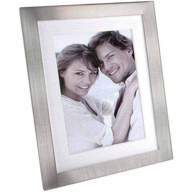 Display your favourite memories with a Cupecoy Bevel Frame.