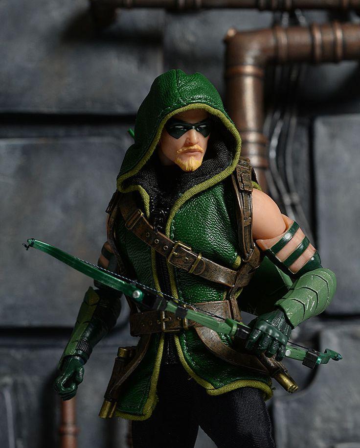 One:12 Collective Green Arrow action figure by Mezco Toyz