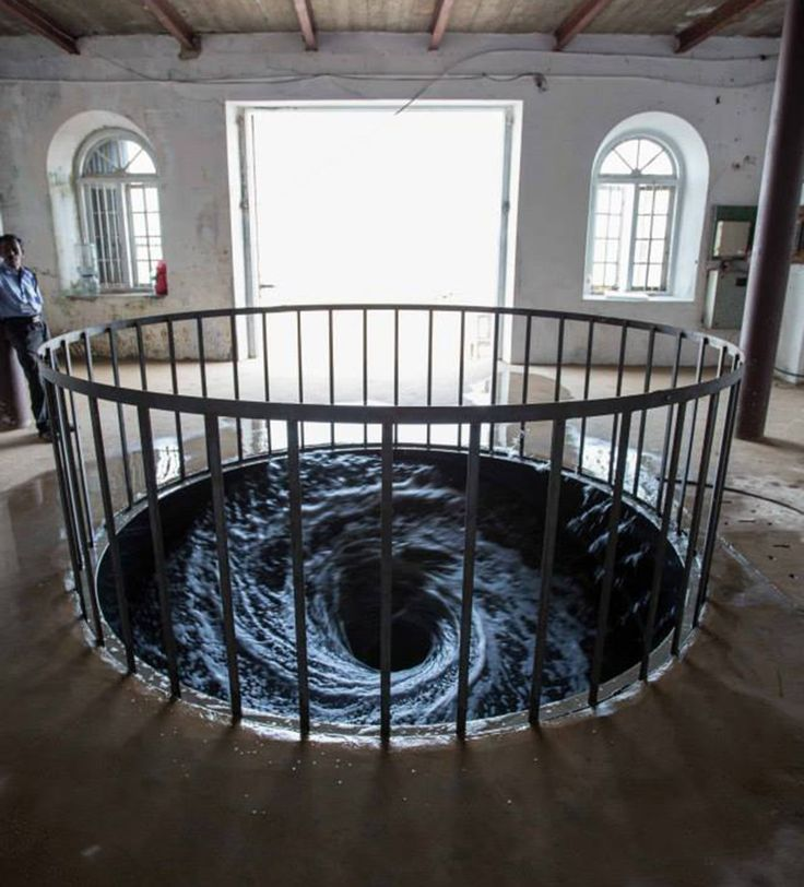 Anish Kapoor, Descension, (2014) - a artista visual mais potente do mundo ainda vivo.