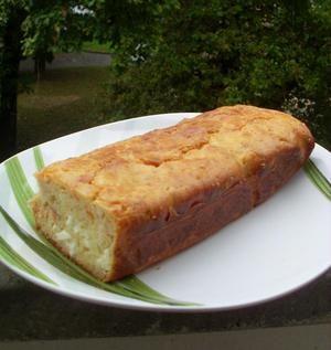 Cake au saumon fumé et à la feta