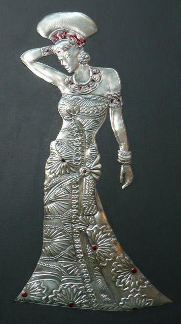 african lady 10 pewter.jpg 357×640 píxeles