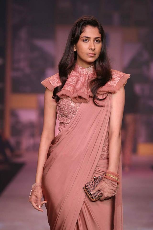 shantanu and nikhil saree blouse