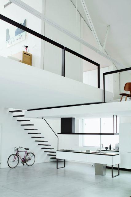 Black & White interior / *Mezzanine, mezzanine, mezzanine! It's like living in a cozy warehouse.