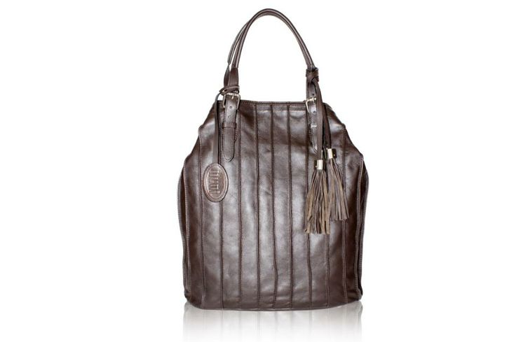 The style tip of the season is to go for monochromatic hues in leather bags that give an edge to your style statement.