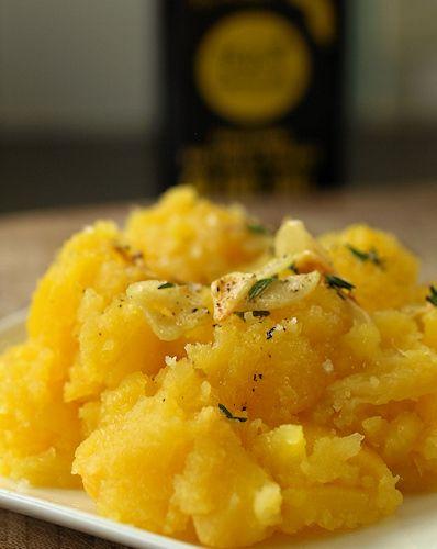 Rutabaga mash with crispy garlic