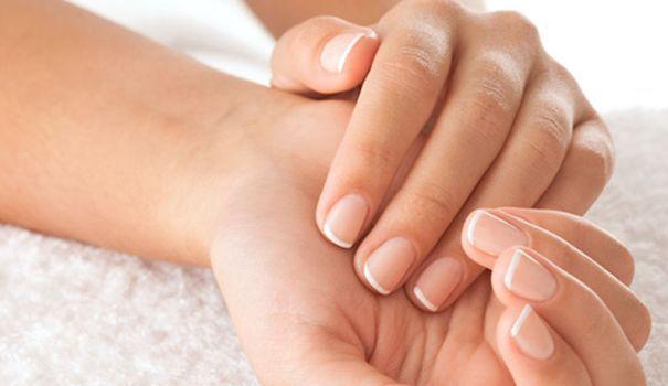 Ongles cassants, dédoublés, striés, mous, incarnés: traitements - L'Express Styles