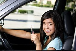 Finding cheap car insurance is possible but takes some time, especially if your a student. In this guide we look at way students can obtain a lower rate on their car insurance policy.