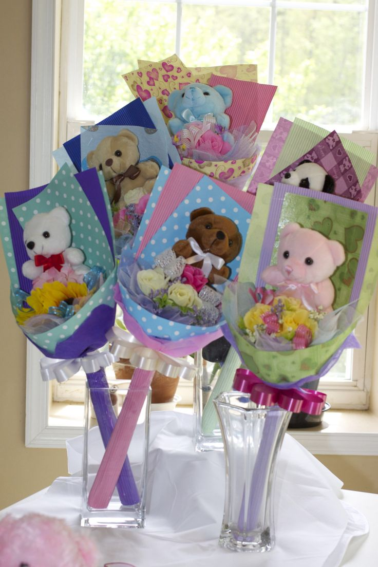 Another style of bear & flower bouquet for any occasion for my customers.