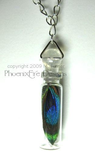 Peacock Feather in Miniature Glass Bottle - Necklace #minibottles #messagebottles #peacock #ecrafty