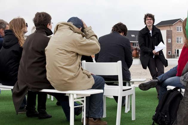 Lezing van David Hamers, lector Stad & Land aan de Design Academy in Eindhoven. © Jordi Huisman, Museum De Paviljoens
