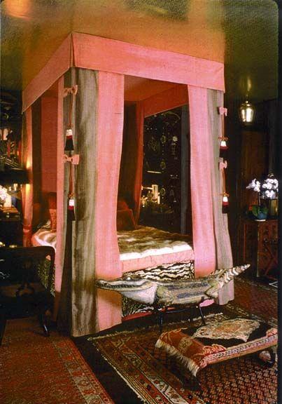 DAWNRIDGE: Dreams Bedrooms, Tony Duquett, Guest Bedrooms, Canopies Beds, Vintage Design, Carvings Alligators, Bedrooms Ideas, 1980S Decor, Japan Bedrooms Decor